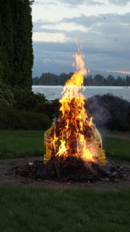 phoenix sculpture ablaze